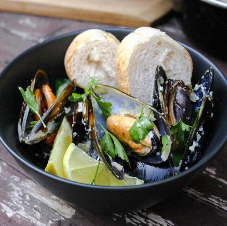 The Good Greeff-      Marseille mussels with crusty bread