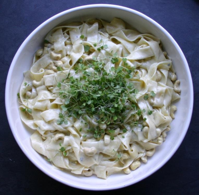 Gorgonzola and Cashew Pasta