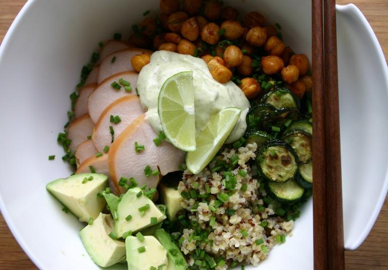 TheGoodGreeff - Quinoa bowl with smoked chicken