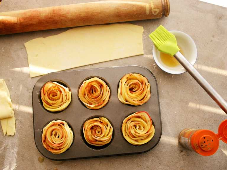 Apple Roses - secure in a muffin tin - thegoodgreeff.jpg