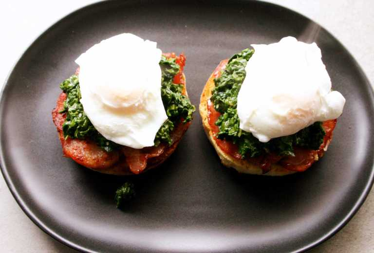 eggs-florentine-english-miffin-with-bacon-creamed-spinach-and-posched-eggs-thegoodgreeff-com