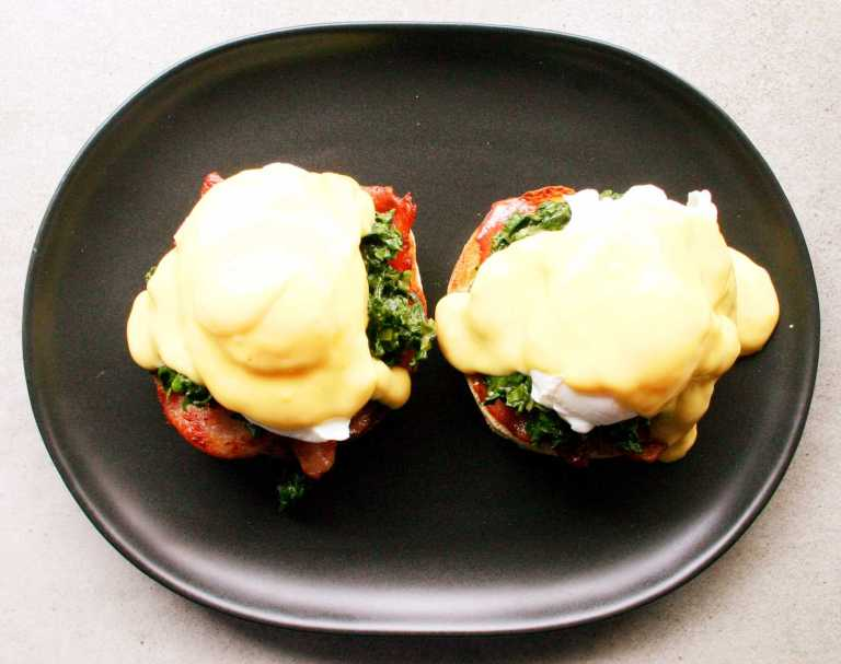 eggs-florentine-english-miffin-with-bacon-creamed-spinach-poached-eggs-and-hollandaise-thegoodgreeff-com
