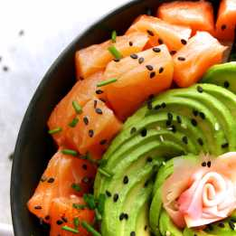 Salmon sushi bowl with avocado rose
