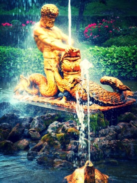 Oranzhereiny Fountain depicting a triton grappling with the jaws of sea monster