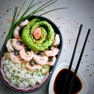 Deconstructed sushi with prawns and avocado