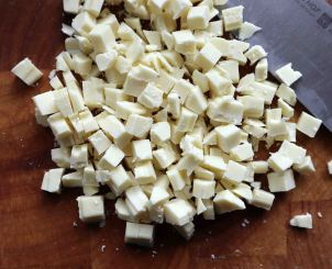 Chop white chocolate into smaller pieces
