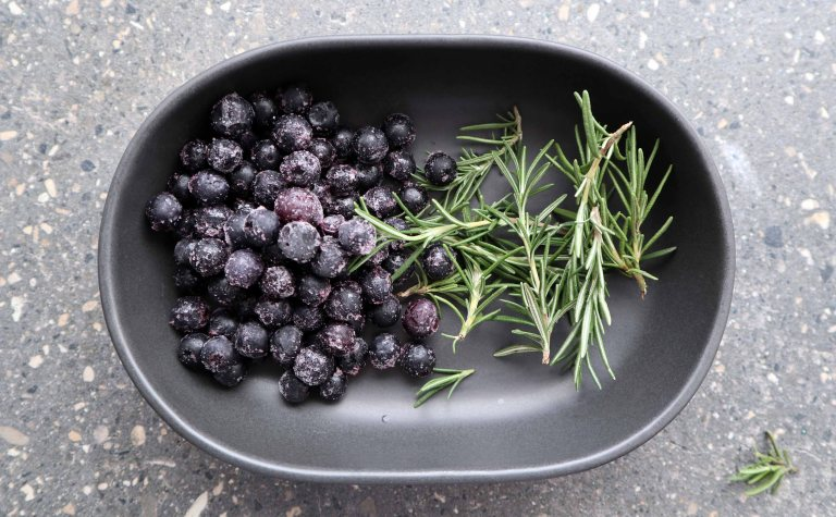 The good greeff six simple syrups Blueberry Rosemary