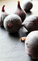 Fresh black figs