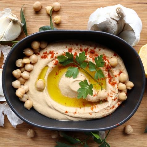 Perfectly smooth Israeli Hummus